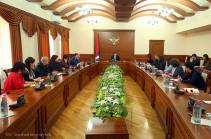 Араик Арутюнян: В Мартакерте начнется реализация инвестиционной программы стоимостью свыше 100 млн долларов
