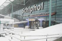 Ամստերդամի օդանավակայանը ձնաբքի պատճառով բոլոր չվերթերը չեղարկել է