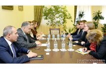 Давид Арутюнян обсудил с послом Швеции возможности углубления сотрудничества