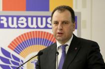 Министр обороны Армении посетит Москву
