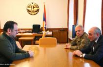 Բակո Սահակյանն ու Վիգեն Սարգսյանը քննարկել են բանակաշինությանը վերաբերող հարցեր