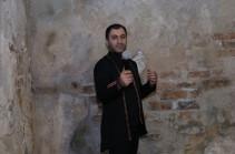 Երգիչ Արա Այվազյանը երկու նոր տեսահոլովակ է ներկայացրել