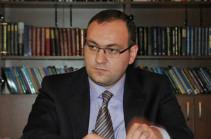 Հրայր Թովմասյանի նշանակումը ամբողջությամբ համապատասխանում է Սահմանադրությանը. Արսեն Բաբայանի պարզաբանումը