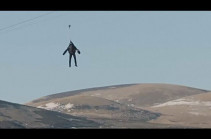 Ռեակտիվ կոստյումով գյուտարարն անցել է աշխարհի ամենաարագ զիպլայնով
