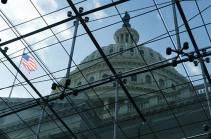 В США Сенат принял бюджет до конца финансового года