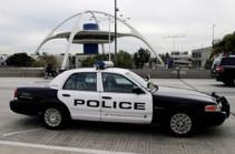 Կալիֆոռնիայում մեքենան մխրճվել է ամերիկյան ռազմաօդային ուժերի բազայի դարպասների մեջ