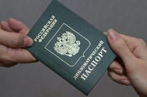 НАТО отказал в выдаче виз российским дипломатам