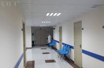 Երևանի հիվանդանոցներում բուժումը շարունակում է հանրահավաքի ընթացքում տուժած 3 քաղաքացի. նրանց վիճակը բավարար է