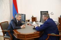 Карен Карапетян встретился с начальником полиции Армении