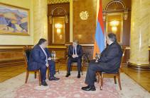 Карен Карапетян встретился с руководством фонда «Инициативы развития Армении»