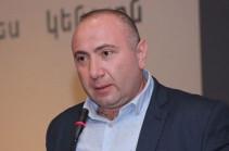 Депутаты Сасун Микаелян и Овик Агазарян представили личные поручительства для изменения меры пресечения в отношении Бабаяна