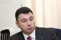 Эдуард Шармазанов отбудет в Албанию