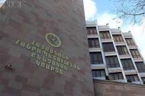 Մեղադրանք է առաջադրվել՝ Վ. Բրյուսովի անվան պետական լեզվահասարակագիտական համալսարանի պահեստից յուրացումներ կատարելու համար
