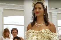 В Нью-Йорке прошёл конкурс свадебных платьев из туалетной бумаги (Видео)