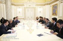 Армения заинтересована в развитии кинопроизводства с Россией - Пашинян