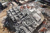 В Индии один дом рухнул на другой
