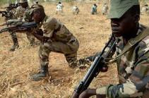 """Боевики """"Аш-Шабаб"""" напали на военную базу в Сомали"""