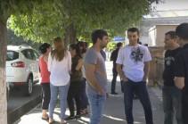 Налоговый орган стал карательным отрядом – представители малого и среднего бизнеса проводят акцию протеста в Арташате