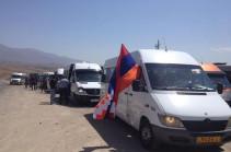 Ավելի քան 1000 մարդ Արցախից մեկնել է Երևան՝ մասնակցելու ՀՀ վարչապետ Նիկոլ Փաշինյանի հրավիրած հանրահավաքին