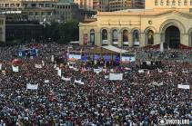 Նիկոլ Փաշինյանը հայտարարեց արտահերթ ընտրություններին ընդառաջ սահմանադրական փոփոխություններ նախաձեռնելու մասին