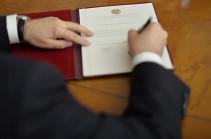 Նախագահը մի շարք օրենքներ է ստորագրել