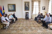 Ամենայն Հայոց Կաթողիկոսն ընդունել է  Գերմանիայի հայ գործարարների միության անդամներին