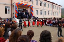 Бако Саакян принял участие в церемонии открытия нового здания школы в селе Азох