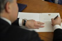 Նախագահը ստորագրել է ՀՅԴ ու ԲՀԿ նախարարների ազատման հրամանագրերը, սպասվում է Փաշինյանի հրաժարականը
