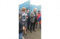 Жители Сюника перекрыли межгосударственную трассу Армения – Иран в знак протеста против назначения губернатором Унана Погосяна
