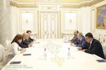Nikol Pashinyan receives Izmirlian Foundation Vice President Greg Jerejian