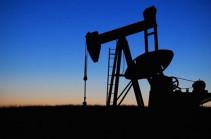 Oil falls again as U.S. allows Iran sanctions waivers