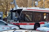 В Канаде в ДТП с автобусом пострадали 25 человек