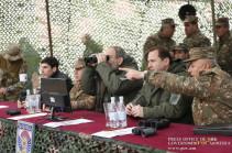 Никол Пашинян посетил боевой пункт и проследил за тактическими наступательными учениями