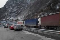 Stepantsminda-Lars closed for trucks