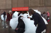 Հայտնի նկարիչը Լոնդոնում ներկայացրել է «Սառցե ժամացույց» աշխատանքը (Տեսանյութ)