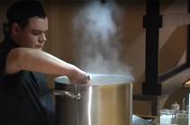 Պետերբուրգցի խոհարարներն անօթևանների համար սնունդ են պատրաստում