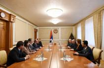 Բակո Սահակյանն ընդունել է «Լուսավոր Հայաստան» կուսակցության պատվիրակությանը