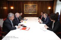 Նիկոլ Փաշինյանը Ցյուրիխում գործարարների հետ քննարկել է ՀՀ-ում ներդրումային տարբեր ծրագրերի իրականացմանն ուղղված հարցեր