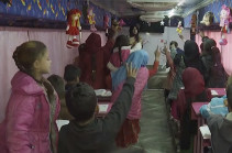 «Автобус надежды»: в Ираке старое транспортное средство переоборудовали в учебный класс (Видео)