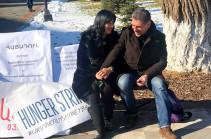 Наира Зограбян призвала режиссера Ованнеса Галстяна прекратить голодовку, однако он непоколебим