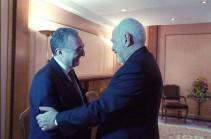 ԼՂ հիմնահարցի կարգավորման Հայաստանի մոտեցումները Զոհրաբ Մնացականյանը ներկայացրել է Իրանի արտգործնախարարին