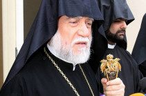Catholicos of the Great House of Cilicia Aram I arrives in Armenia
