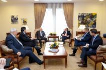 В Ереване началась встреча главы МИД с посредниками по карабахскому урегулированию