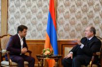 Քո յուրաքանչյուր հաղթանակ հպարտություն է մեզ համար. նախագահ Սարգսյանը հյուրընկալել է Լևոն Արոնյանին