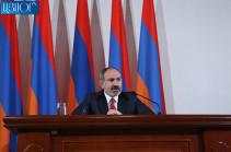 Никол Пашинян: Не представляю, что поеду в Карабах и не повезу с собой мать и сестер моего сына, который там служит