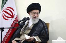 Духовный лидер Ирана призвал развивать экономику в условиях санкций