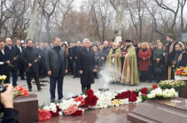 Serzh Sargsyan pays tribute to memory of deceased PM Andranik Margaryan (photos)