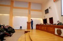 Тигран Авинян выступил с лекцией в министерстве обороны Армении