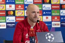 «Аякс» хочет продлить контракт с тренером тен Хагом до 2024 года