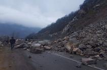 Քարաթափման հետևանքով Կապան-Քաջարան ճանապարհահատվածը միակողմանի փակվել է